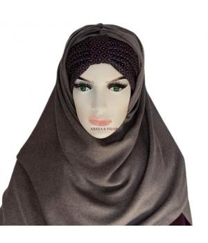 Hijab gris avec bandeau a motif